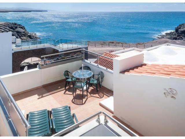 The sun terrace and sea view - Ocean Vista Apartment, El Cotillo, Fuerteventura