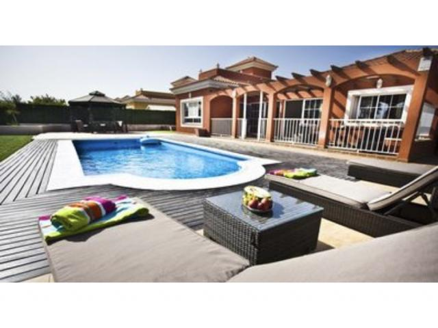 Villa Del Mar is a four bedroom villa , with a heated pool ,south facing ,